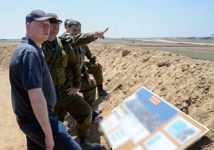 US Middle East envoy Jason Greenblatt surveys the region with Israeli generals