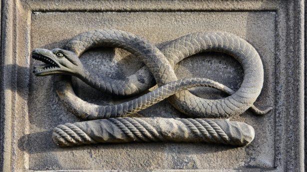 Sculpture Snake Decoration
