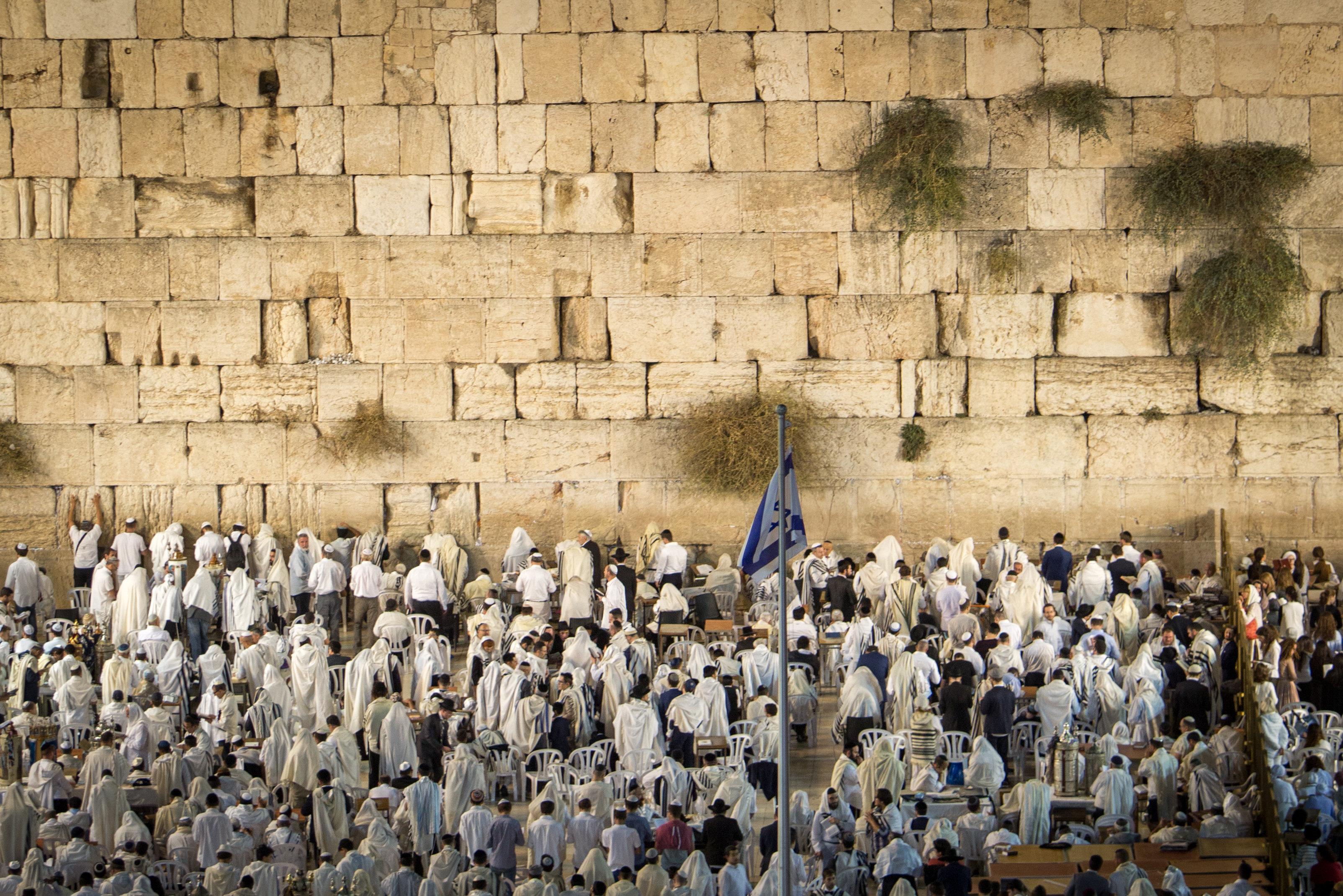 Juden beten an der Klagemauer