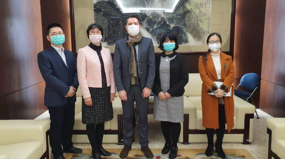 Israeli consul teams up with China to combat coronavirus boredom.