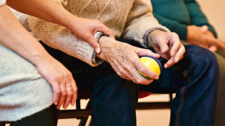 Helfen Sie den Älteren die Krisensituation Corona zu überstehen!