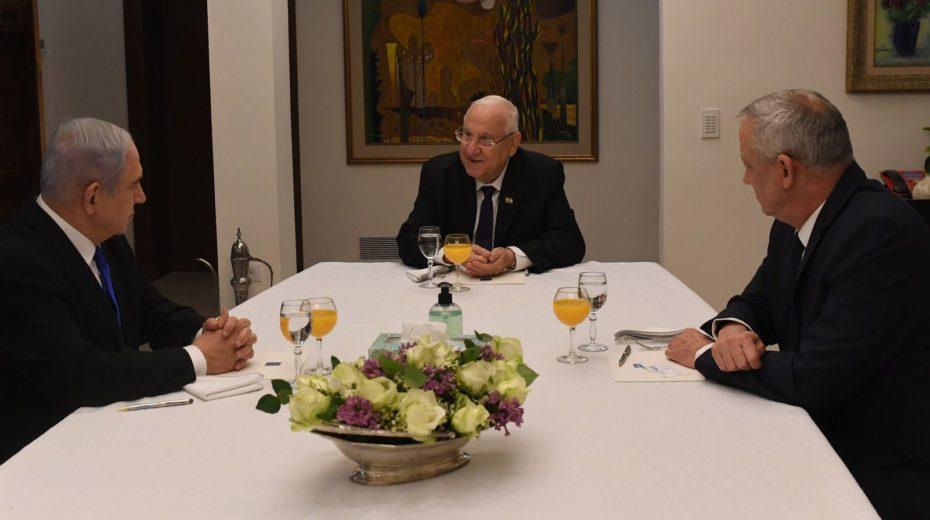 Netanyahu, Gantz and Rivlin try to negotiate emergency unity government.