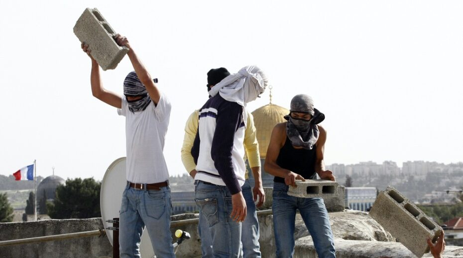 Palestinian leaders are encouraging a renewal of stone throwing attacks against Israelis.