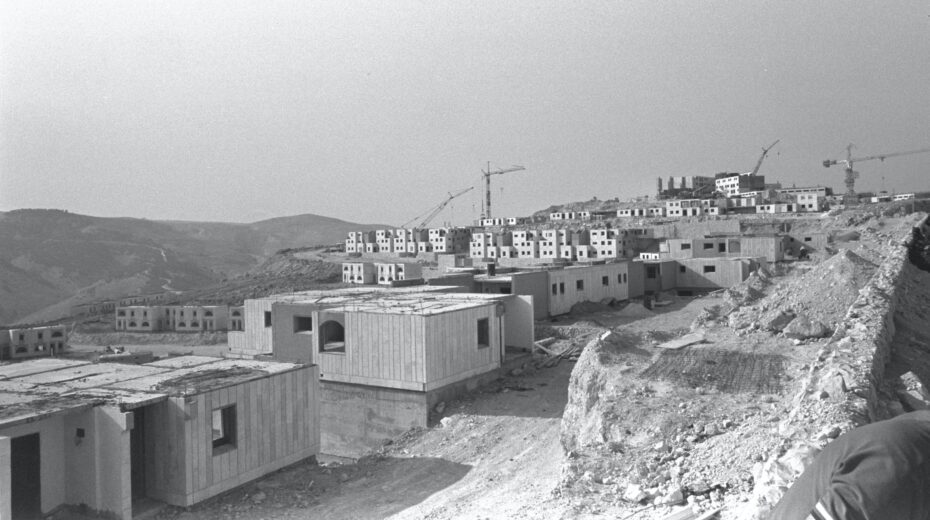 Israeli settlements - divine mandate, or obstacle to peace?