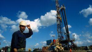 Israel has plenty of its own oil, expert tells Knesset.