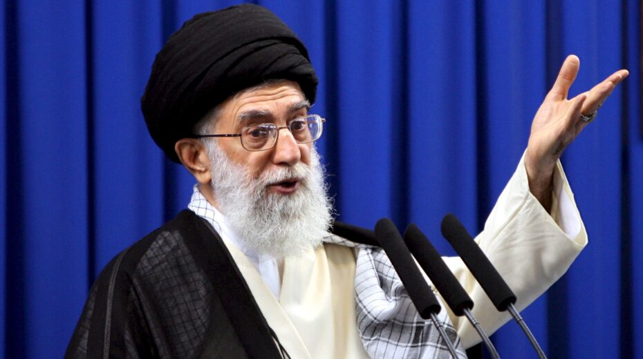 Ayatollah Khamenei is given a green light by Twitter to promote Israel's destruction.
