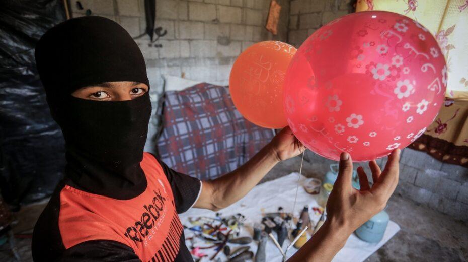 Photos: Palestinians Prepare Balloon-Borne Bombs