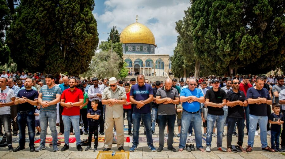 Palestinian mosques instructed to incite against Jews.