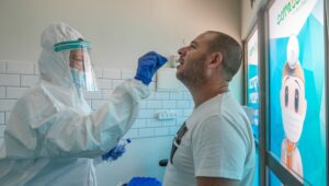 Experts suggest new approach to beat coronavirus in Israel.