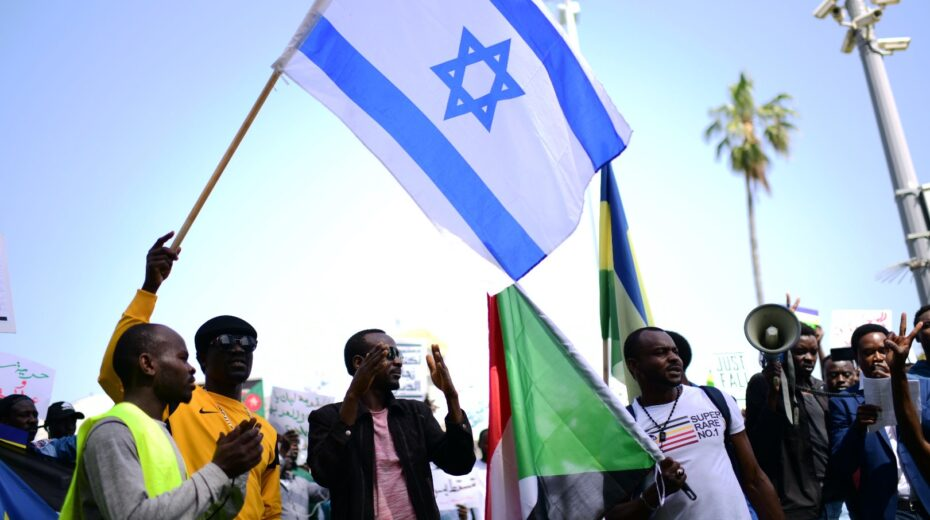 Israel and Sudan make peace, but not all are happy