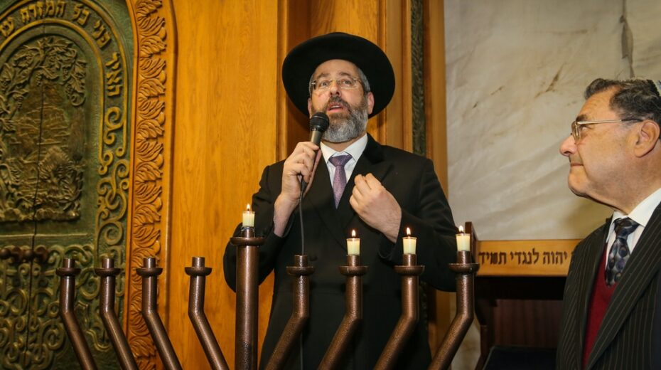 Chief rabbi lights Hanukkah menorah at the Cave of the Patriarchs