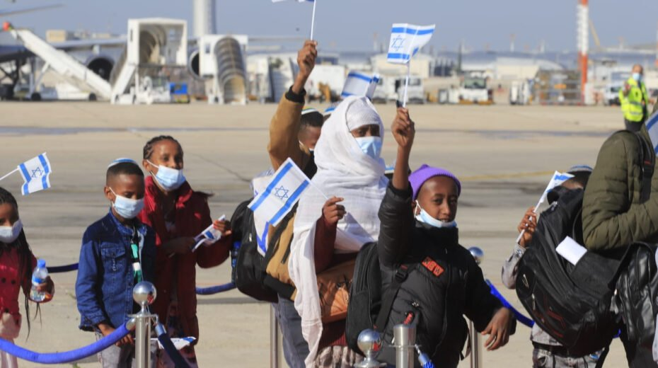 Ethiopian Jews come home to Israel