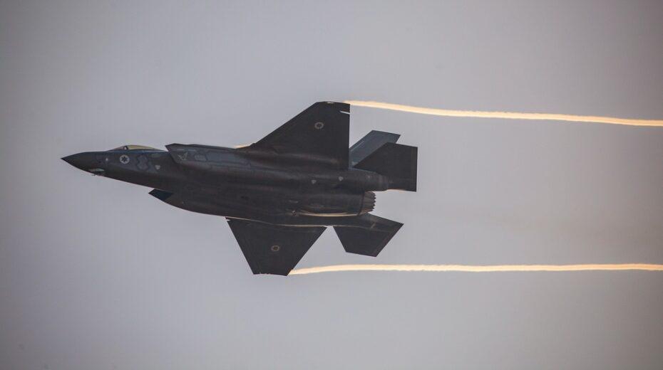 Israeli jets buzz Lebanon
