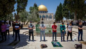 Muslims still pack the Temple Mount every Friday, and Israel wants to offer them vaccines.