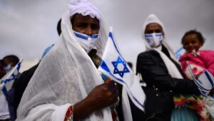 Ethiopian Jews return home, but it wasn't easy