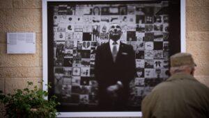 A moving photographic Holocaust memorial