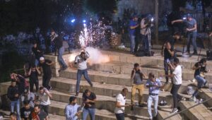 Arabs riot over property dispute in Sheikh Jarrah