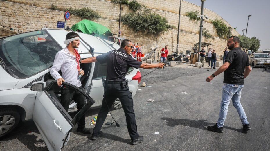 Jerusalem riots intensify