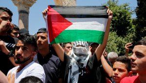 Palestinian mob demands Abbas step down