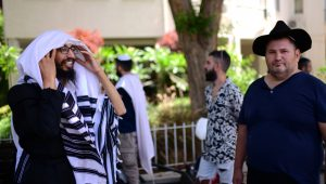 """Jewish """"Missionaries"""" Face Jail Under Proposed Law"""