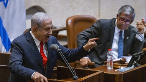 """Netanyahu fires back at what he deems the """"fraudulent"""" new unity government."""