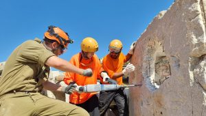 Muslim EMTs train with IDF Homefront Command in earthquake and disaster response.